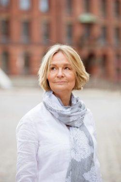 Kirsten Boie becomes an Honorary Citizen of Hamburg